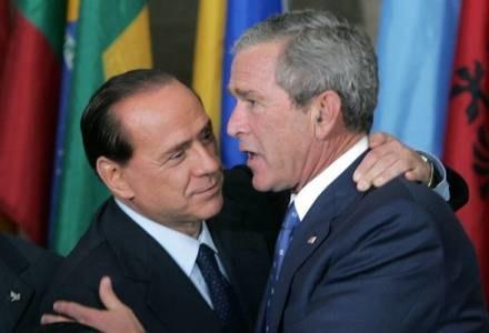 Berlusconi  i Bush deklarują się jako wielcy przyjaciele /AFP