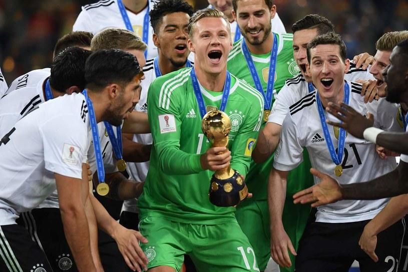 Bernd Leno w barwach reprezentacji Niemiec z Pucharem Konfederacji /AFP