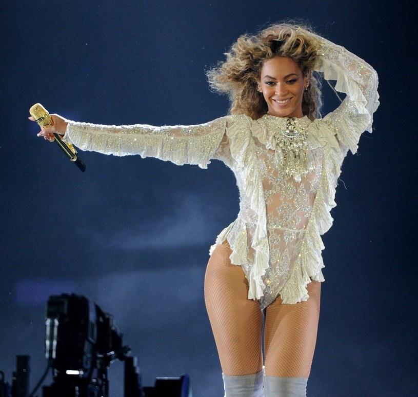 Beyonce jest jedną z celebrytek stosujących post. Mimo upływu lat nadal wygląda rewelacyjnie! /East News