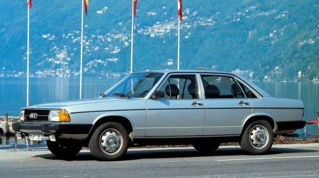 Bez specjalnej wartości. Rywale spod znaków BMW i Mercedesa są dla odmiany klasykami (jeśli są w dobrym stanie). /Motor