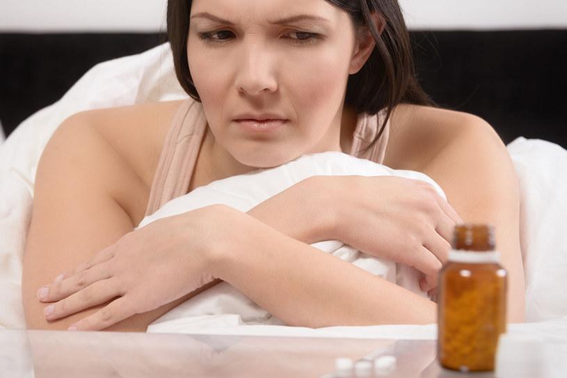 Bezsenności często towarzyszy depresja. Tabletki na bezsenność są odpowiednie w przypadku osób, które od niedawna borykają się z problemem /©123RF/PICSEL