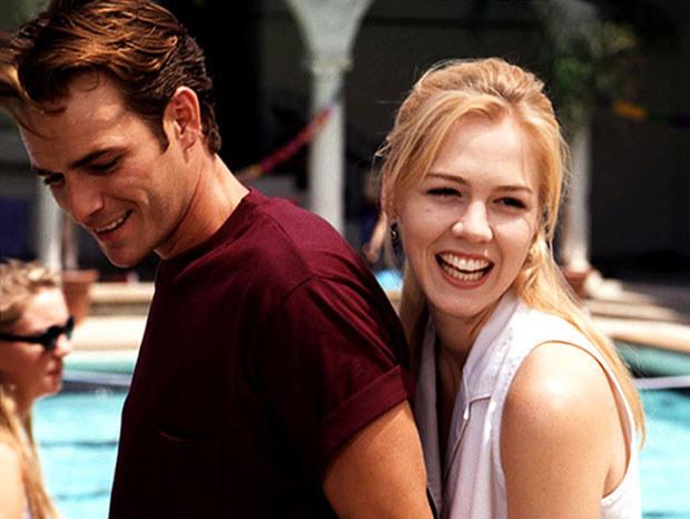 """""""BH 90210"""": Po wielu perypetiach to właśnie Kelly (Garth) okazała się miłością życia Dylana (Perry) /materiały prasowe"""