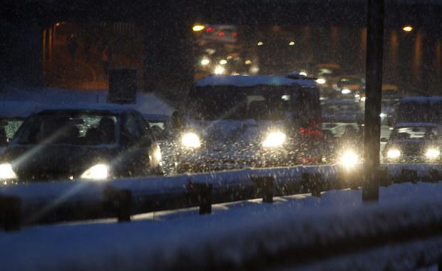 Białe i śliskie drogi. Ciężko jeździ się na Śląsku, Podkarpaciu i w Małopolsce