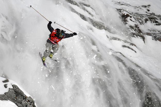 Białe szaleństwo w Alpach fot. Fabrice Coffrini /AFP