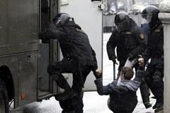 Białoruś: Milicja rozproszyła protest z okazji Dnia Wolności