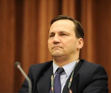 """Białoruski dziennik: Sikorskiemu """"brak oleju w głowie"""""""