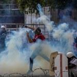Bicie, rażenie prądem, przemoc seksualna. HRW: Uczestnicy protestów w Wenezueli byli torturowani