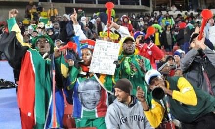 Bilety będą rozdawane ubogim kibicom futbolu pracującycm w służbie zdrowia /AFP