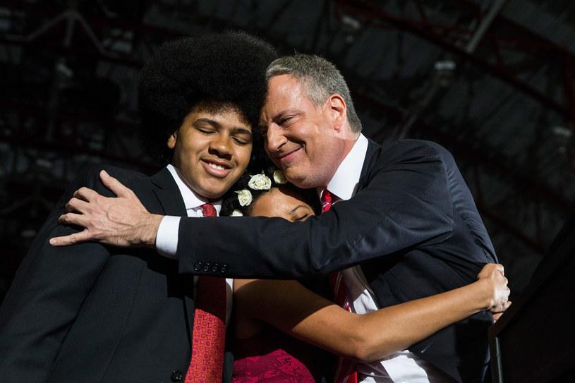 Bill de Blasio z synem i córką /AFP