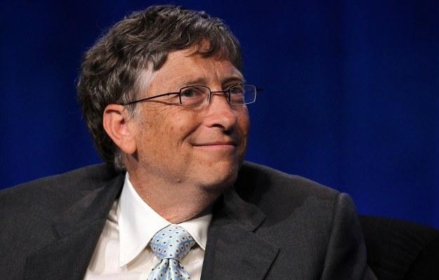 Bill Gates ma być z czego zadowolony - nadal pozostaje najbogatszym człowiekiem świata technologii /AFP