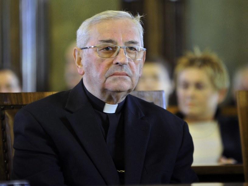 Biskup Tadeusz Pieronek: Wkrótce w każdym miasteczku będzie musiał być pomnik Lecha Kaczyńskiego, jak w Związku Sowieckim pomnik Stalina /M.Lasyk /Reporter