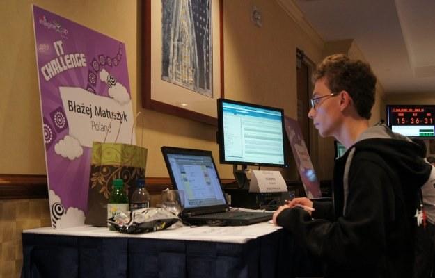 Błażej Matuszyk z Politechniki Poznańskiej przez 24 godziny zmagał się z problemami informatycznymi /INTERIA.PL