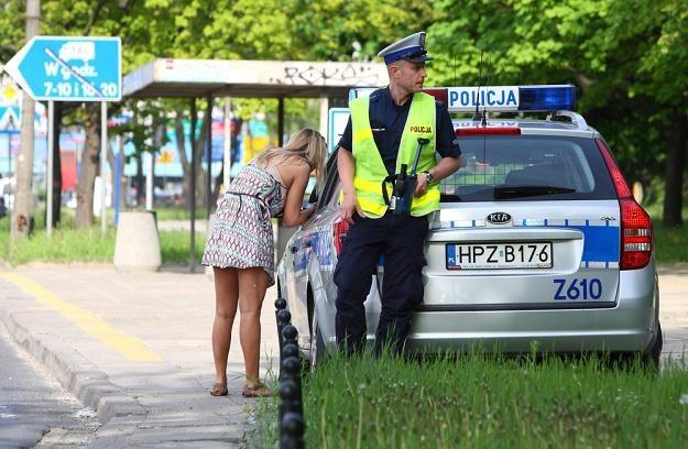 Bliskie spotkanie z drogówką, to zazwyczaj nic przyjemnego / Fot: Stanisław Kowalczuk /East News