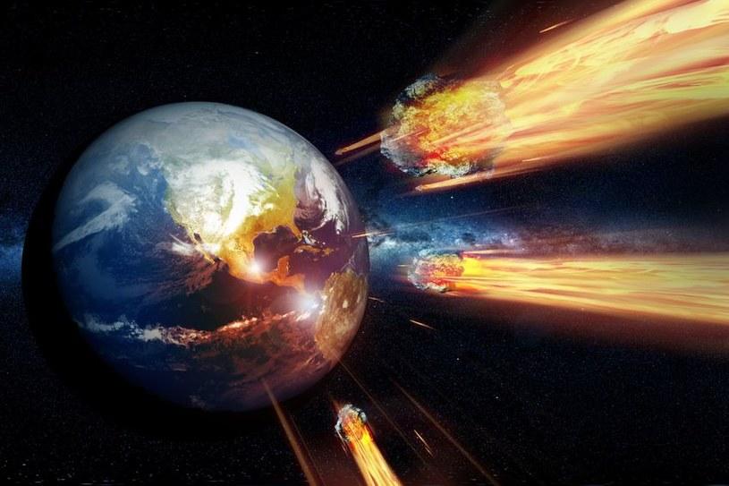 Blisko 800 tys. lat temu nasza planeta była bombardowana przez asteroidy /©123RF/PICSEL