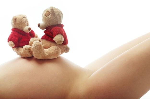 Bliźniacze ciąże zdarzają się coraz częściej. /123/RF PICSEL
