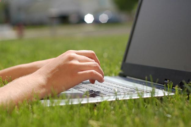 Blogerzy o swoich zarobkach mówią niechętnie. Tylko nieliczni publicznie rzucają kwotami /© Panthermedia