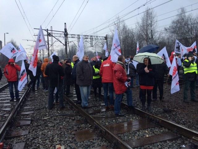 Blokada torów w Katowicach /Anna Kropaczek /RMF FM