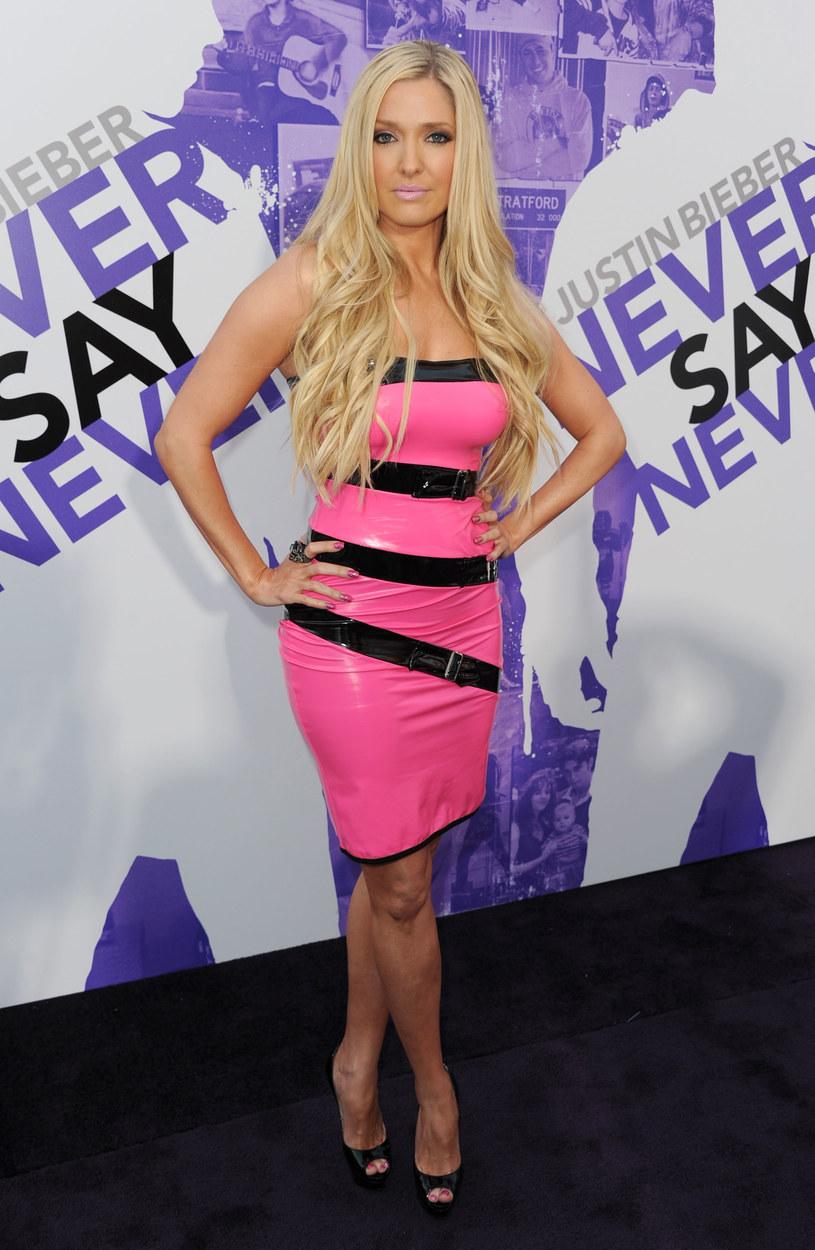 Blond gwiazdki, jak Erika Jayne, chętnie wybierają kolorowy lateks  /Getty Images/Flash Press Media