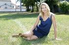 """""""Blondynka"""": Joanna Moro zachęca do bezpiecznego opalania się"""