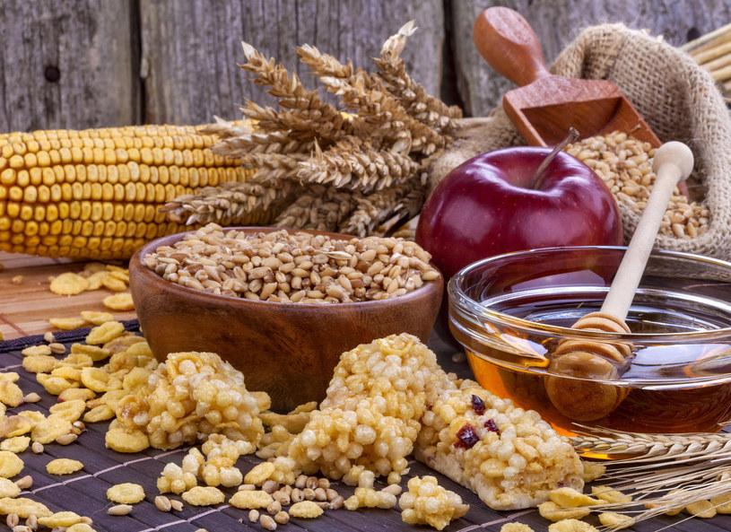 Błonnik pokarmowy może zmniejszyć ryzyko raka okrężnicy /Picsel /©123RF/PICSEL