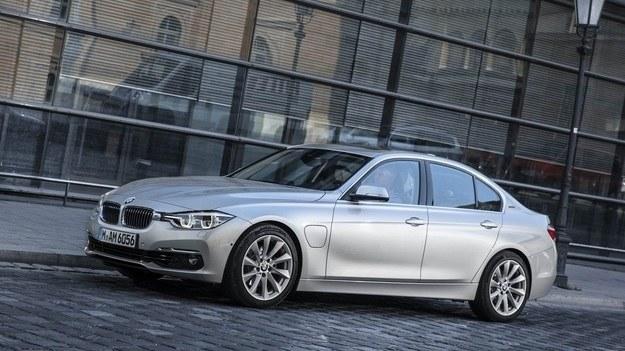 BMW 330e /BMW