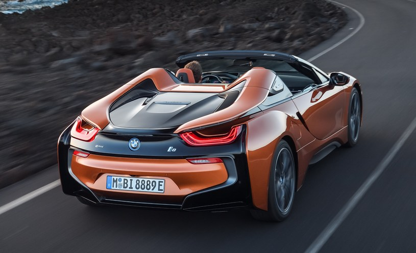 BMW i8 Roadster /