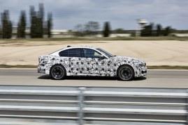 BMW M5 xDrive w kamuflażu