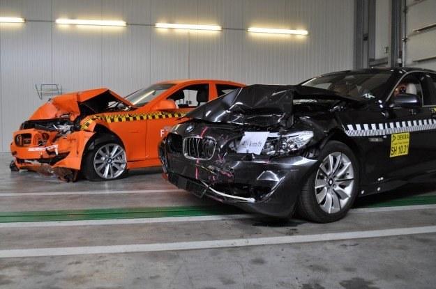 BMW na pierwszym planie wyhamowało do 40 km/h /