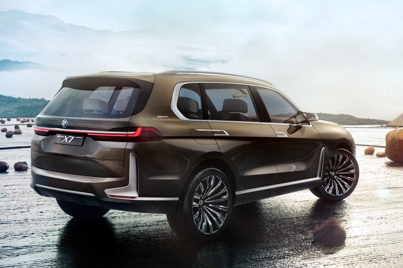 BMW X7 i Performance /