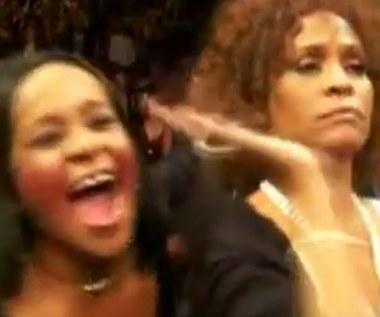 Bobbi Kristina i Whitney Houston bawią się na koncercie Prince'a!