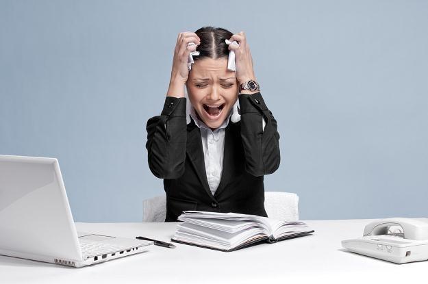 Bobre zarządzanie oraz optymalizacja warunków pracy pozwalają zredukować stres /123RF/PICSEL