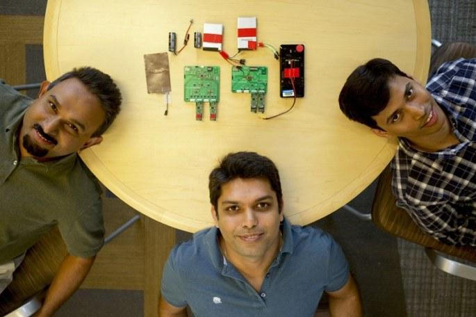 Bodhi Priyantha, Ranveer Chandra i Anirudh Badam – wynalazcy odpowiedzialni za nową baterię. Fot: blogs.microsoft.com, Jeremy Mashburn /materiały prasowe