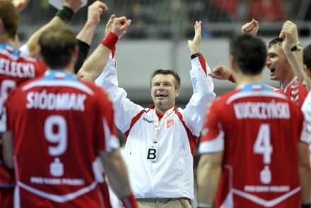 Bogdan Wenta i jego podopieczni świętują awans do półfinału MŚ /AFP