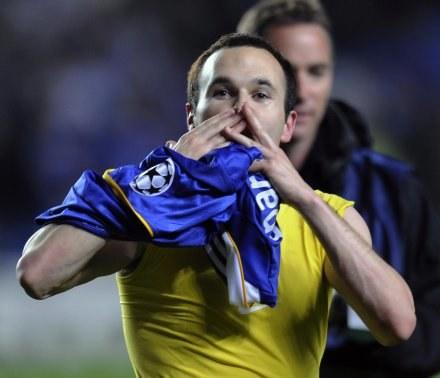 Bohater Barcelony ani myśli o transferze do Realu Madryt /AFP