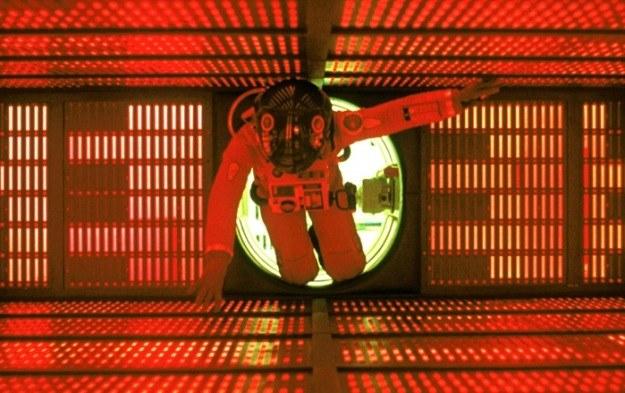 """Bohater filmu """"2001: Odyseja kosmiczna"""" stara się wyłączyć zbuntowany komputer /materiały prasowe"""