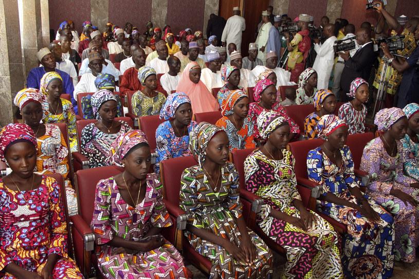 Boko Haram uwolniło ponad 80 uczennic z Chibok /Philip OJISUA /AFP
