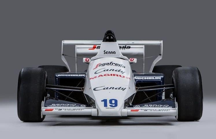 Boli Tolemana, którym jeździł Ayrton Senna /