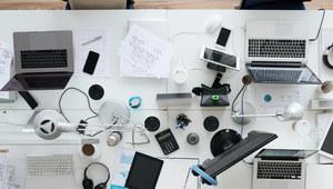 Bonusy do wynagrodzenia - jak wykorzystują je pracownicy i co robią po godzinach?