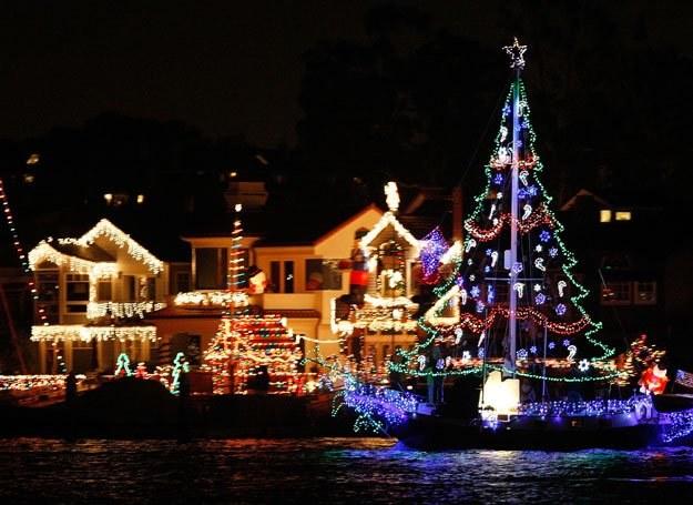 Boże Narodzenie jest jednym z najuroczyściej obchodzonych świąt w Europie /Getty Images/Flash Press Media