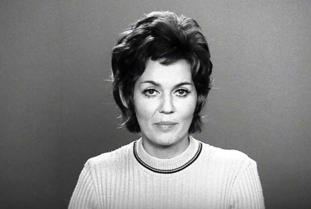 Bożena Walter - karierę w Telewizji Polskiej zaczęła na początku lat 70. Była współprowadzącą i współautorką popularnego bloku programowego Studio 2