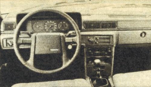 Brak obrotomierza w pojeździe tej klasy nie jest przypadkiem – Volvo to samochód dla kierowców spokojnych. /Motor