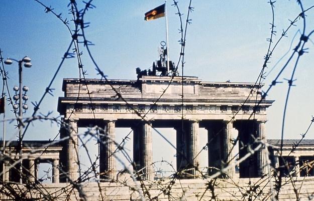 Brama Brandenburska w 1968 r. Dawne granice podziału wciąż przebiegają przez Niemcy/AFP /New York Times/©The International Herald Tribune