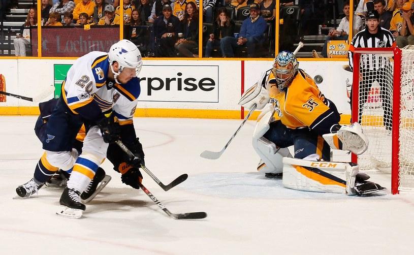Bramkarz Pekka Rinne przyczynił się do awansu Nashville Predators /AFP