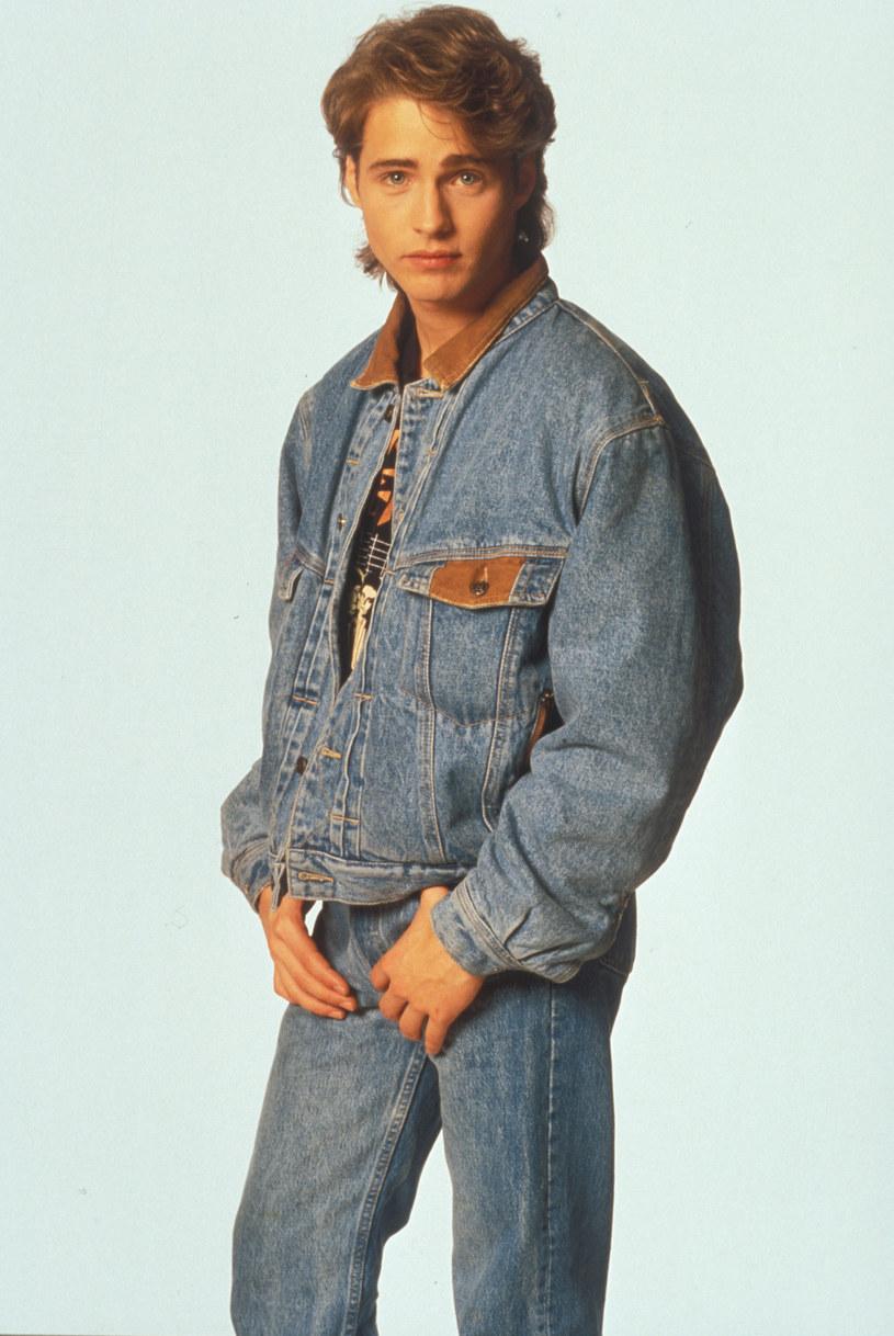 Brandon cały w jeansie /CBS Drama /materiały prasowe