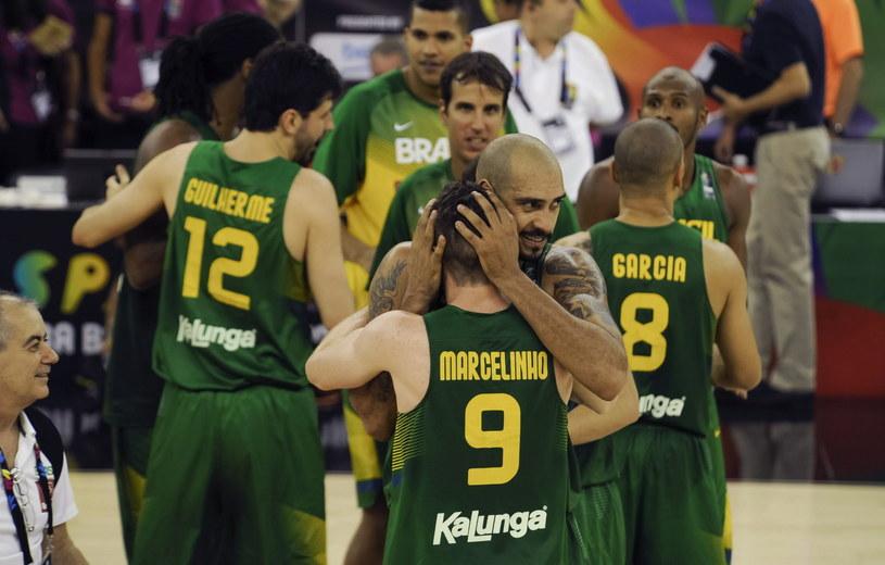 Brazylijczycy świętują po pokonaniu Francuzów /PAP/EPA