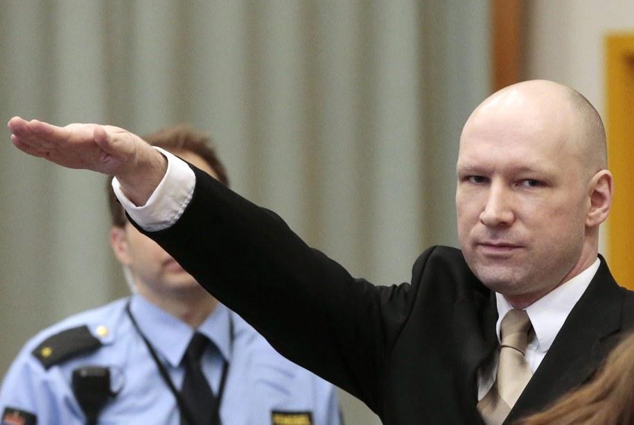 Brevik powitał sąd nazistowskim gestem /LISE ASERUD /PAP/EPA