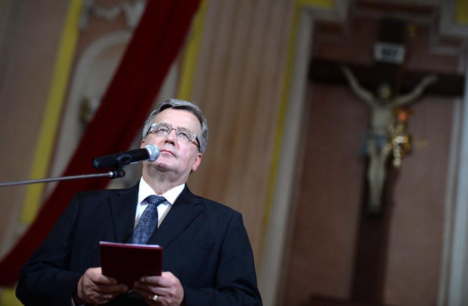 Bronisław Komorowski podczas uroczystości w Łucku /Jacek Turczyk /PAP