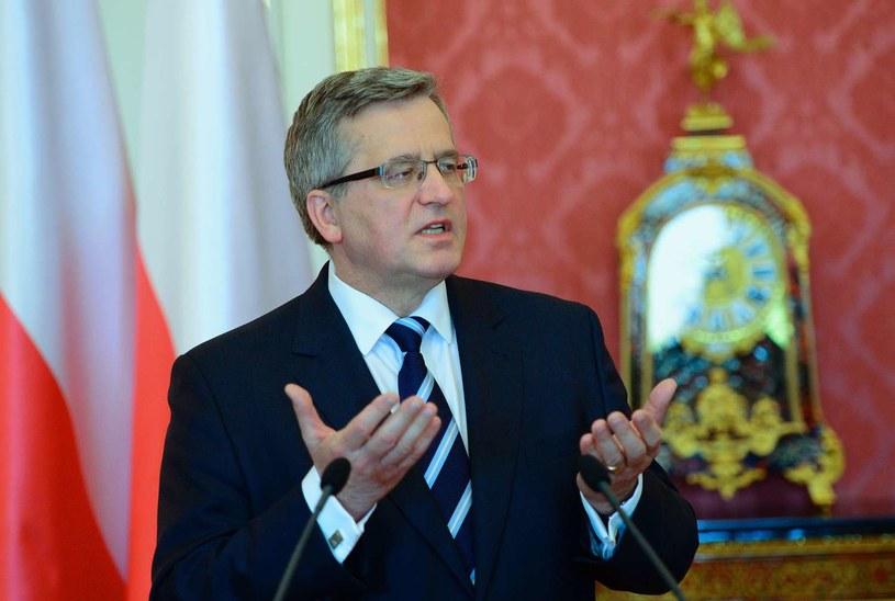 Bronisław Komorowski podpisze nowelizację w poniedziałek /AFP