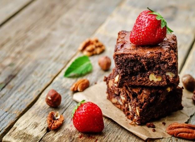 Brownie z orzechami /materiały prasowe