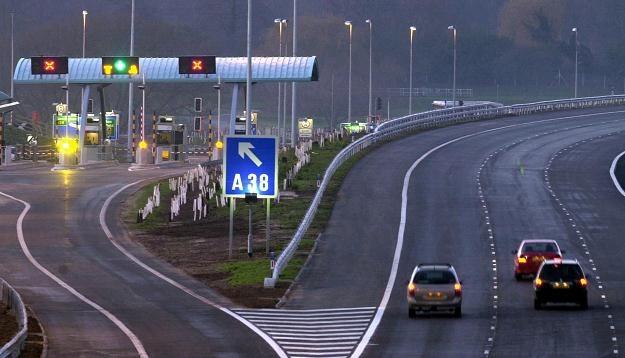 Brytyjczycy nie są przyzwyczajeni do płacenia za drogi /AFP